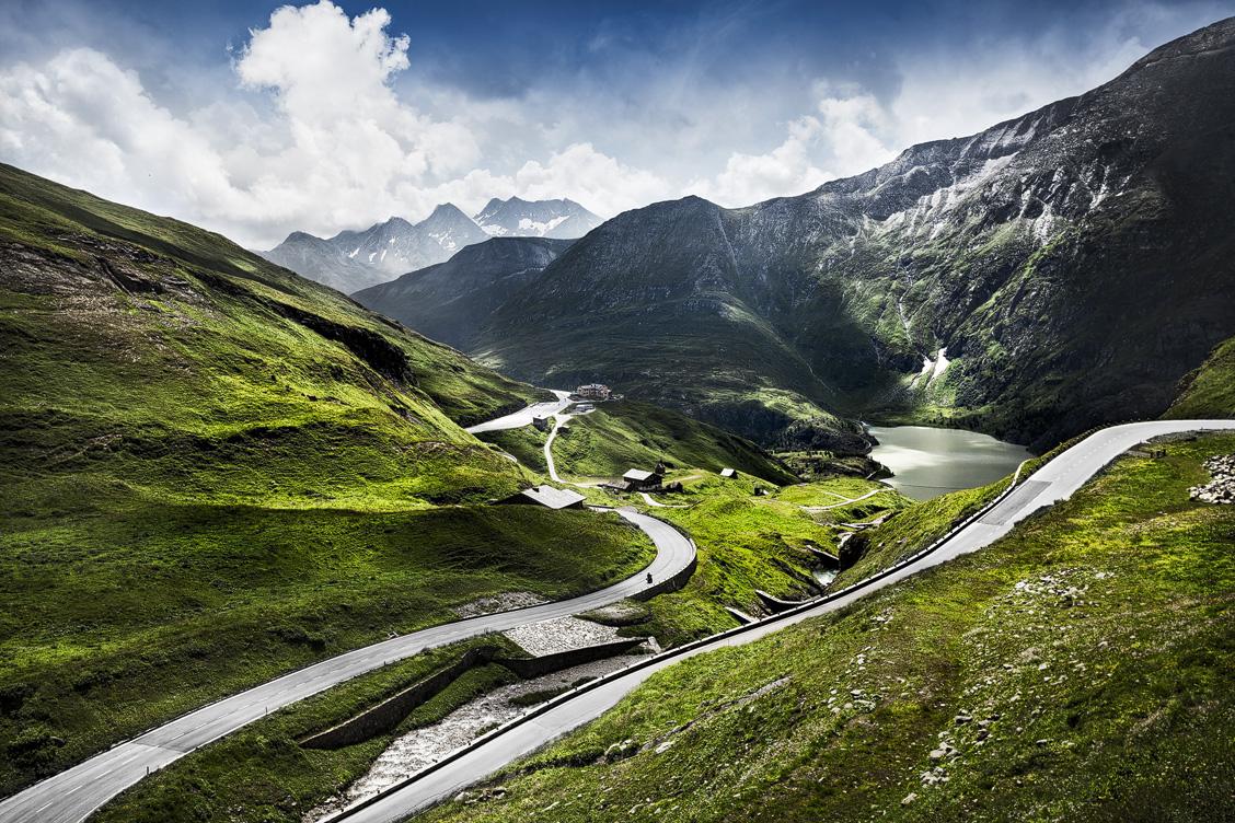 Die Kehren der Großglockner Hochalpenstraße führen zur Franz-Josefs-Höhe