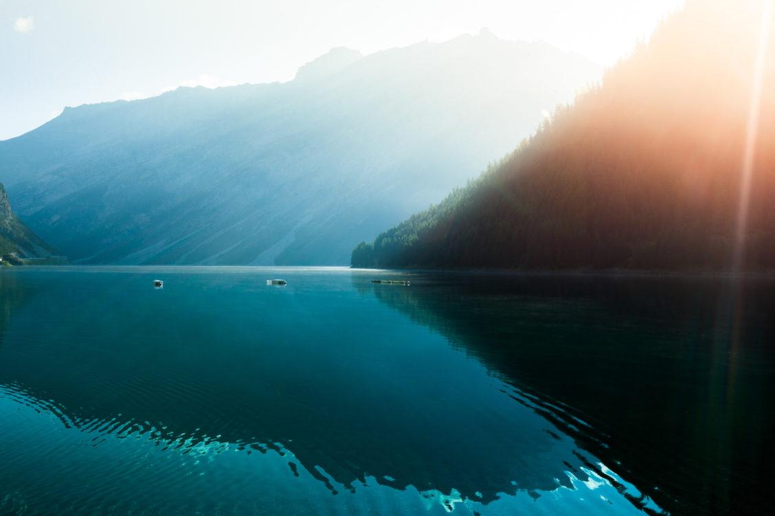 Lago di livigno sunrise