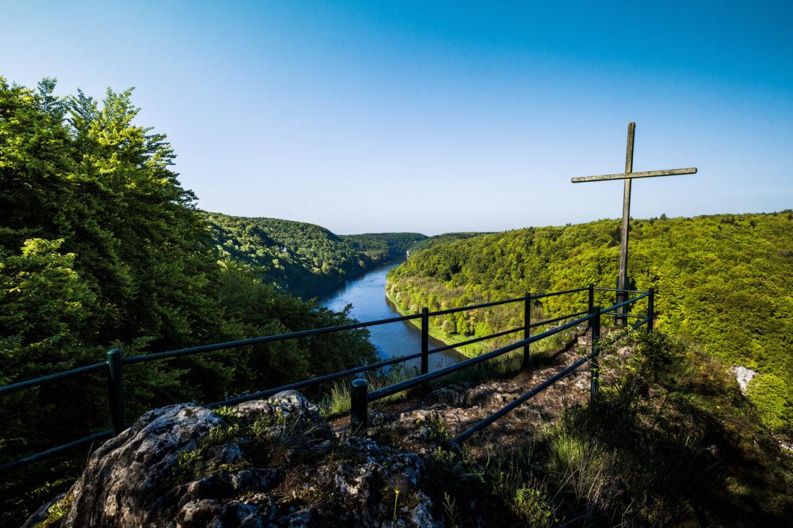 Ausblick vom Wieserkreuz auf das Donautal kurz nahe Kelheim